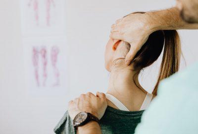 chiropractor neck pain treatment